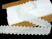 Embroidery lace No. 65121 white | 13,8 m