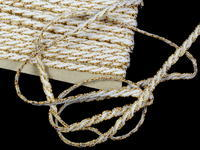 Bobbin lace No. 75481 white/gold | 30 m