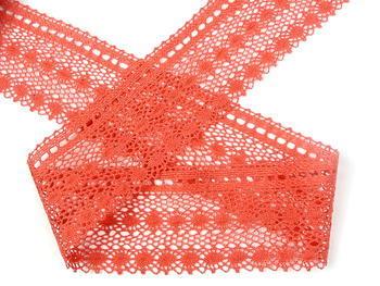 Paličkovaná krajka vzor 82240 světle červená korálová | 30 m - 1