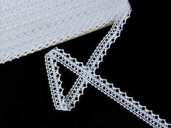 Bobbin lace No. 82302 white | 30 m - 1