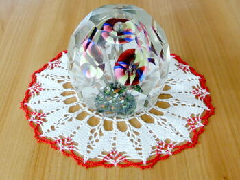 Tablecloth EMILIE white/light red, diameter 17 cm - 1