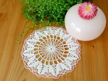 Tablecloth EMILIE white/pink, diameter 17 cm - 1