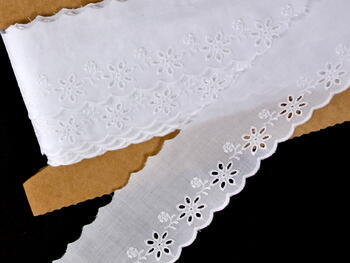 Vyšívaná krajka vzor 65 025 bílá | 9,2 m - 2