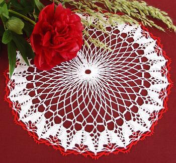 Tablecloth EMILIE white/light red, diameter 34 cm - 2