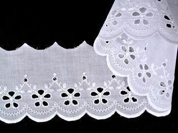 Vyšívaná krajka vzor 65 002 bílá | 9,2 m - 3
