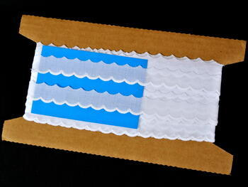 Vyšívaná krajka vzor 65045 bílá | 9,2 m - 4