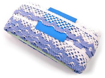 Paličkovaná krajka vzor 75067 bílá/blankytně modrá | 30 m - 4