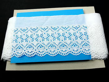 Vyšívaná krajka vzor 65123 bílá | 9,2 m - 5